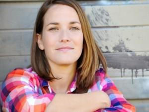 Interview: Meet Singer/Songwriter Caroline Cobb
